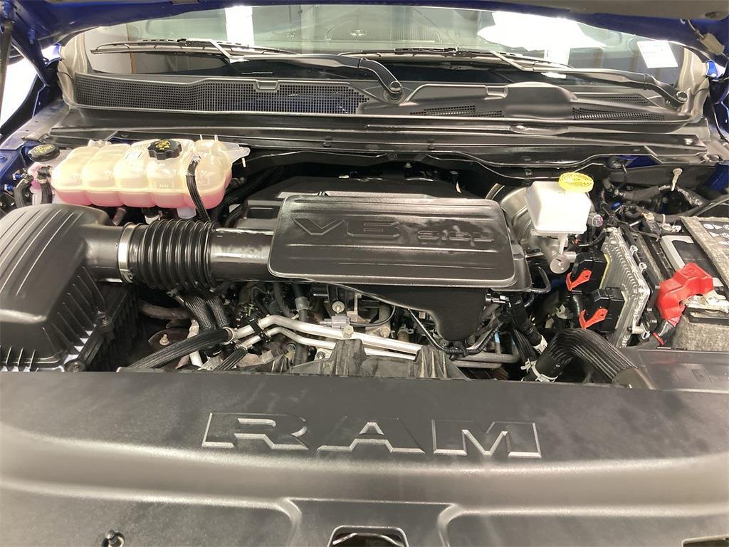 2019 Ram 1500 Crew Cab 4x4, Pickup #D211107A - photo 10