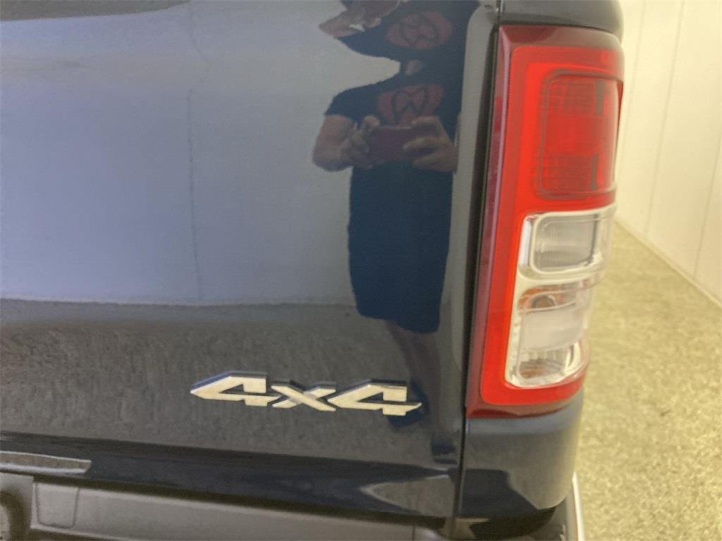 2019 Ram 1500 Crew Cab 4x4, Pickup #D211109A - photo 18
