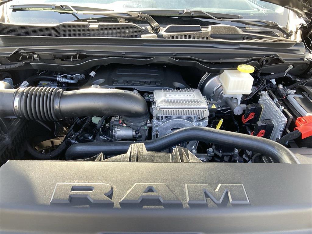 2021 Ram 1500 Crew Cab 4x4, Pickup #D211112 - photo 5