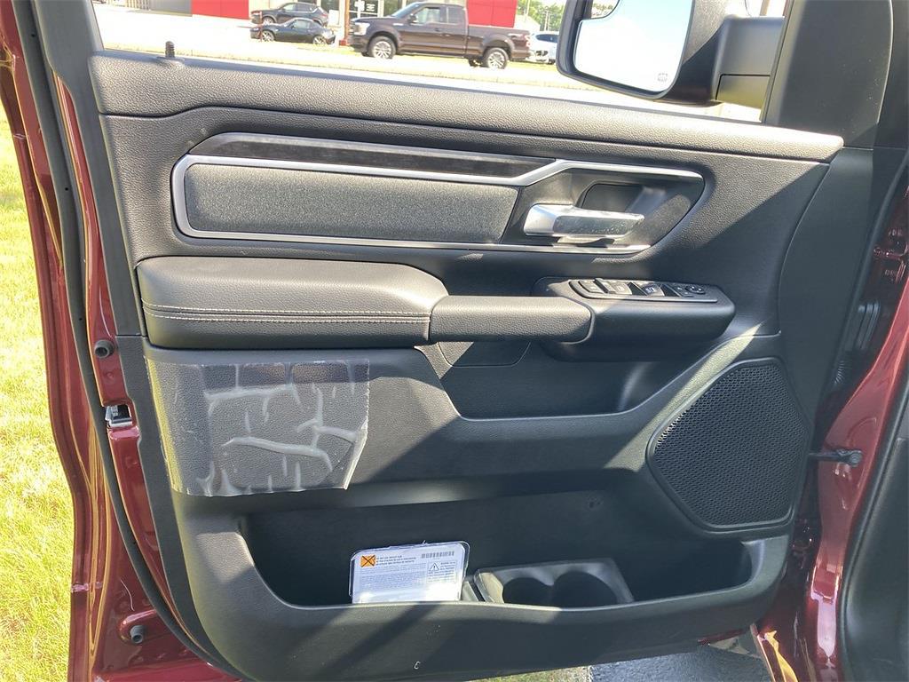 2021 Ram 1500 Crew Cab 4x4, Pickup #D211117 - photo 15