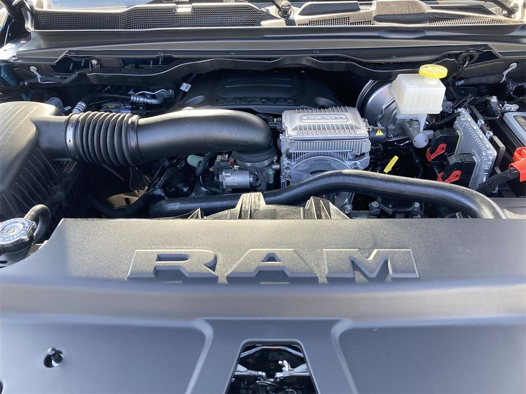 2021 Ram 1500 Crew Cab 4x4, Pickup #D211122 - photo 5
