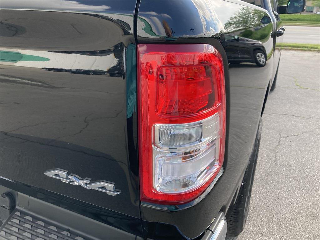 2019 Ram 1500 Crew Cab 4x4, Pickup #D211130A - photo 18