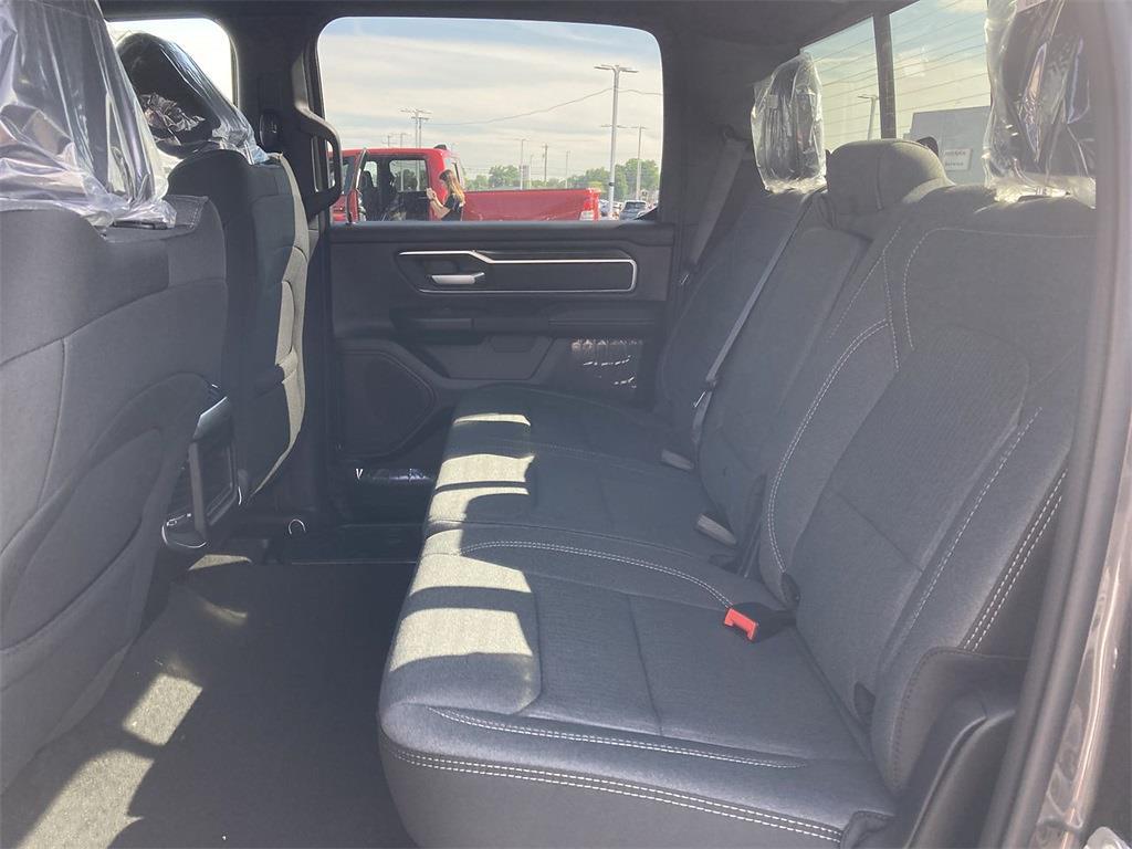 2021 Ram 1500 Crew Cab 4x4, Pickup #D211136 - photo 10