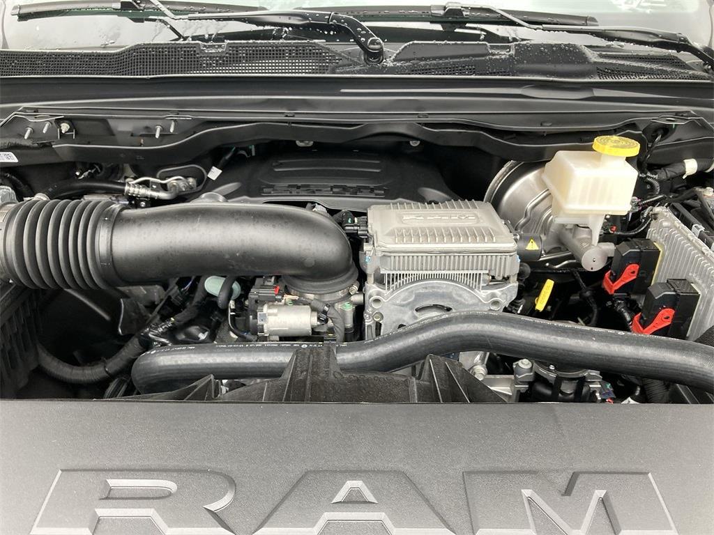 2021 Ram 1500 Crew Cab 4x4, Pickup #D211231 - photo 5
