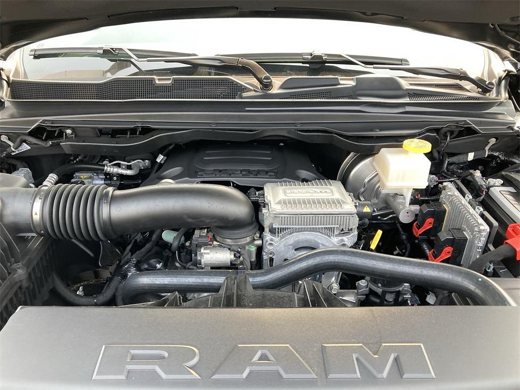 2021 Ram 1500 Crew Cab 4x4, Pickup #D211250 - photo 5