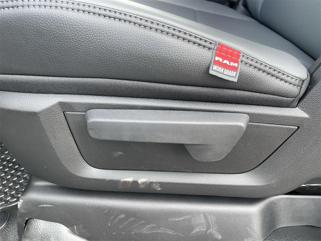 2021 Ram 3500 Regular Cab DRW 4x4,  Cab Chassis #D211369 - photo 16