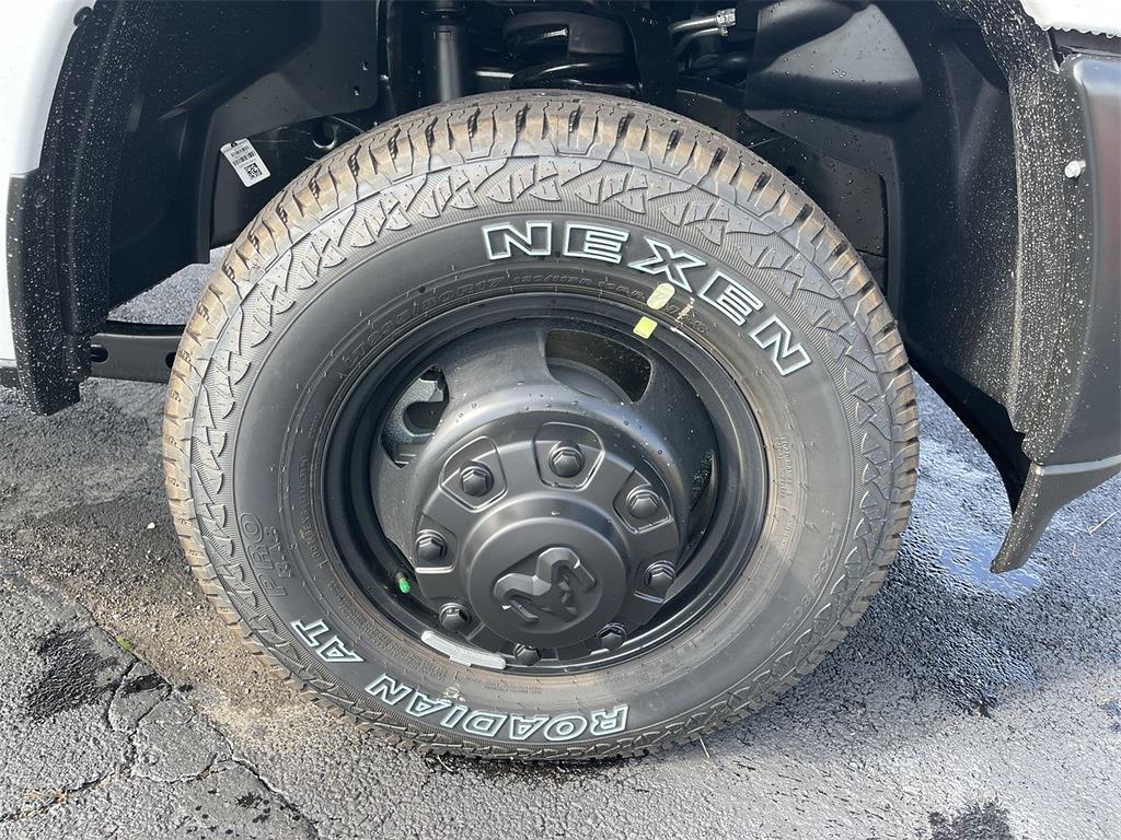 2021 Ram 3500 Regular Cab DRW 4x4,  Cab Chassis #D211369 - photo 9