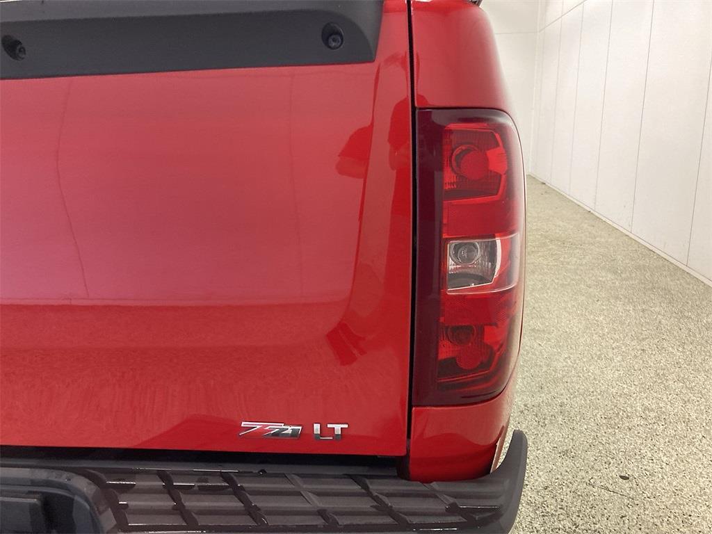 2011 Chevrolet Silverado 1500 Extended Cab 4x4, Pickup #J210949C - photo 17