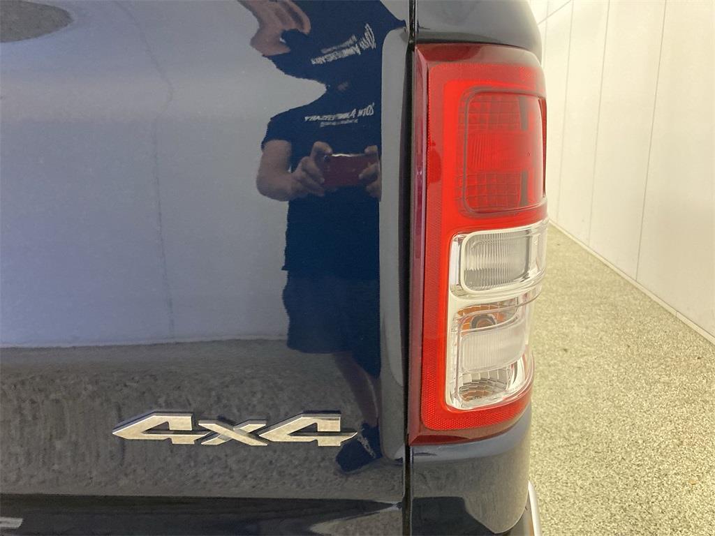 2019 Ram 1500 Crew Cab 4x4, Pickup #D211180A - photo 19