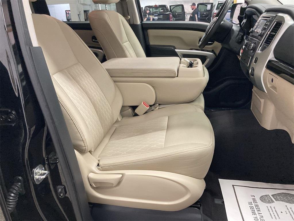 2017 Nissan Titan Crew Cab 4x2, Pickup #JP28272A - photo 12
