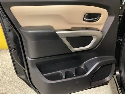 2017 Nissan Titan Crew Cab 4x2, Pickup #JP28272A - photo 21