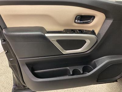 2017 Nissan Titan Crew Cab 4x2, Pickup #JP28272A - photo 24