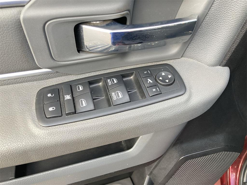 2018 Ram 1500 Crew Cab 4x4, Pickup #JP28305 - photo 27