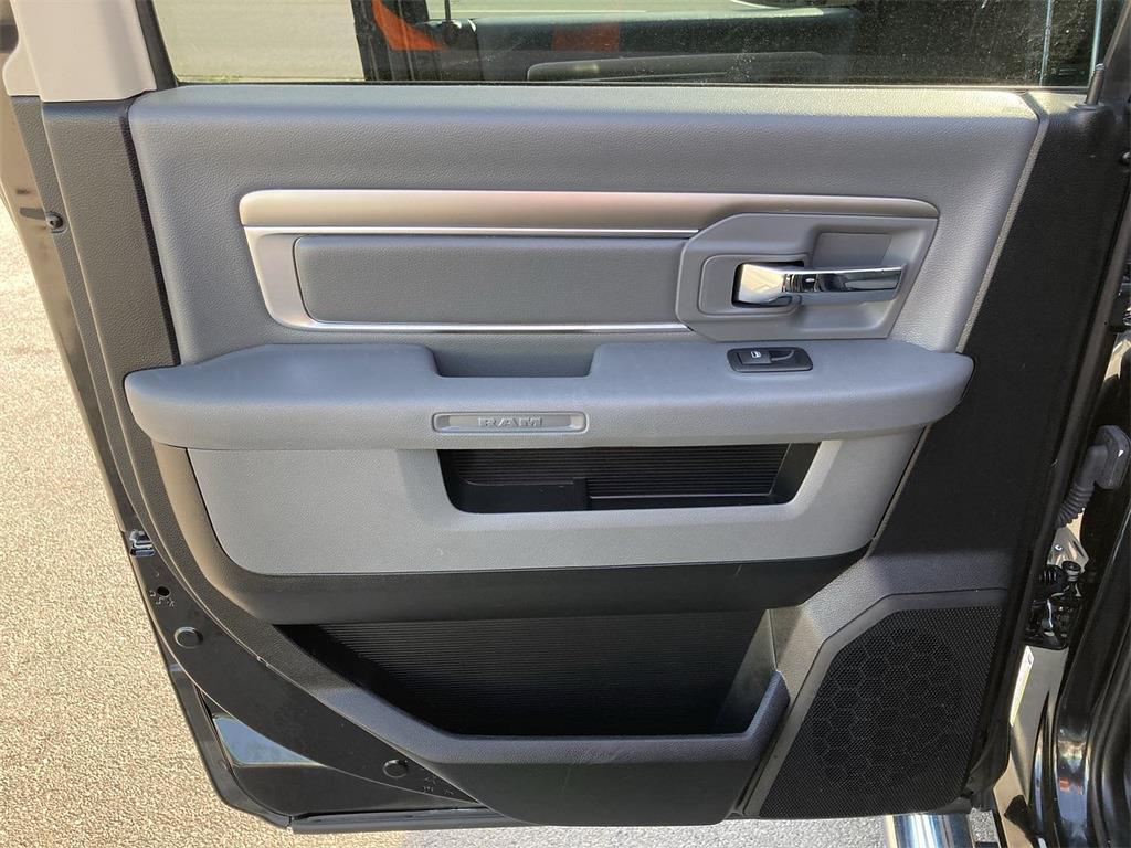 2018 Ram 1500 Crew Cab 4x4, Pickup #JP28783 - photo 21