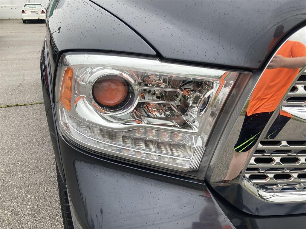 2018 Ram 1500 Quad Cab 4x4, Pickup #JP29179 - photo 11