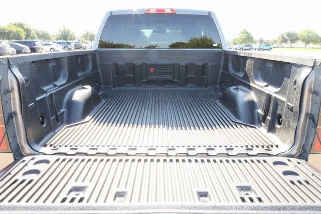 2017 Chevrolet Silverado 1500 Double Cab 4x4, Pickup #AF200465 - photo 4