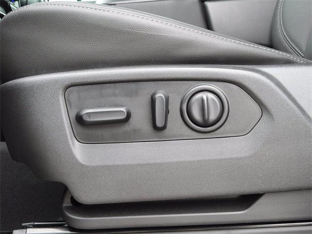2019 Chevrolet Silverado 1500 Crew Cab 4x4, Pickup #BR124217 - photo 30