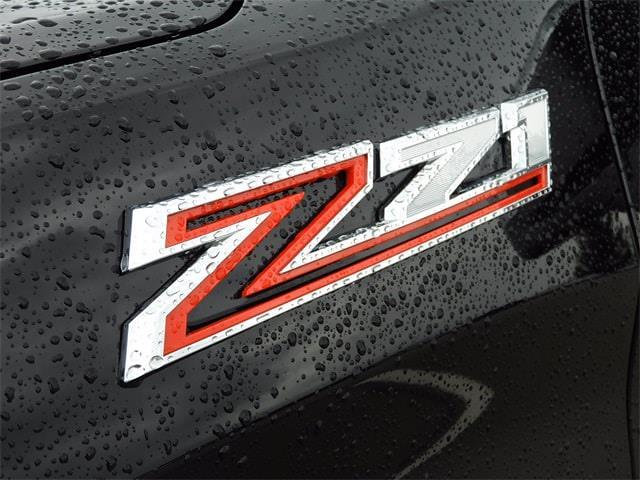 2019 Chevrolet Silverado 1500 Crew Cab 4x4, Pickup #BR124217 - photo 3