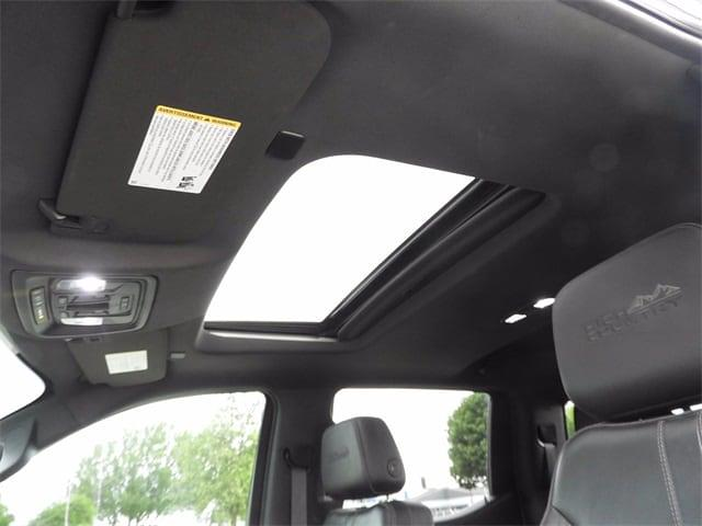 2019 Chevrolet Silverado 1500 Crew Cab 4x4, Pickup #BR191798 - photo 3