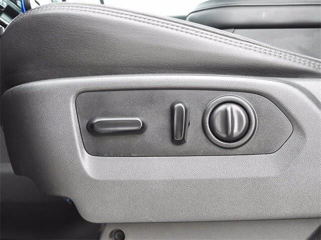 2019 Chevrolet Silverado 1500 Crew Cab 4x4, Pickup #BR191798 - photo 32