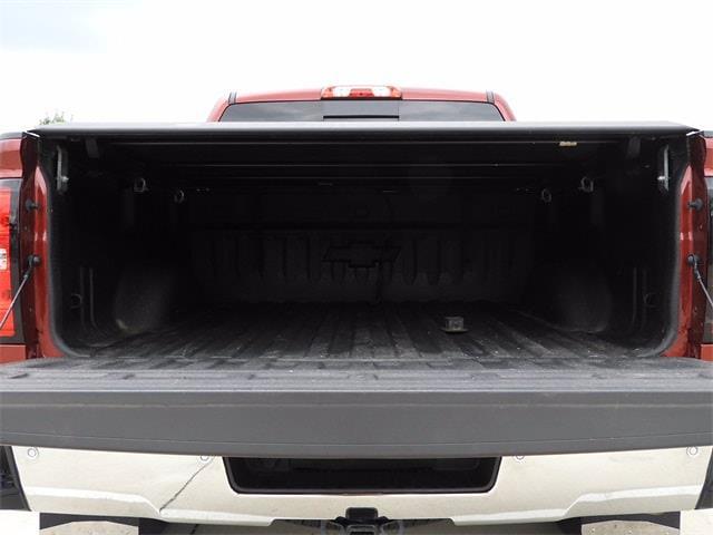 2017 Chevrolet Silverado 1500 Crew Cab 4x4, Pickup #BR363173 - photo 4