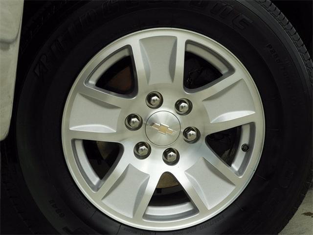 2017 Chevrolet Silverado 1500 Crew Cab 4x4, Pickup #BR363173 - photo 3