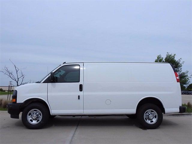 2021 Chevrolet Express 2500 4x2, Empty Cargo Van #M1235408 - photo 3