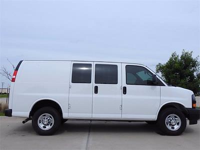 2021 Chevrolet Express 2500 4x2, Empty Cargo Van #M1235408 - photo 6