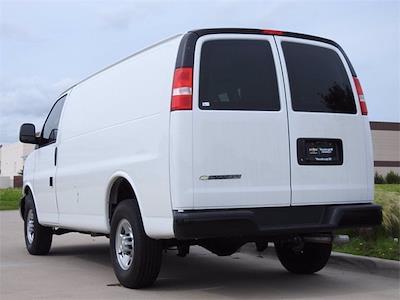 2021 Chevrolet Express 2500 4x2, Empty Cargo Van #M1235429 - photo 2
