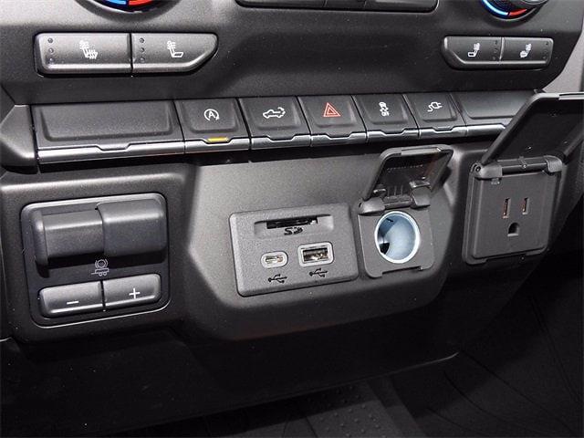 2021 Chevrolet Silverado 1500 Crew Cab 4x2, Pickup #MG329122 - photo 20