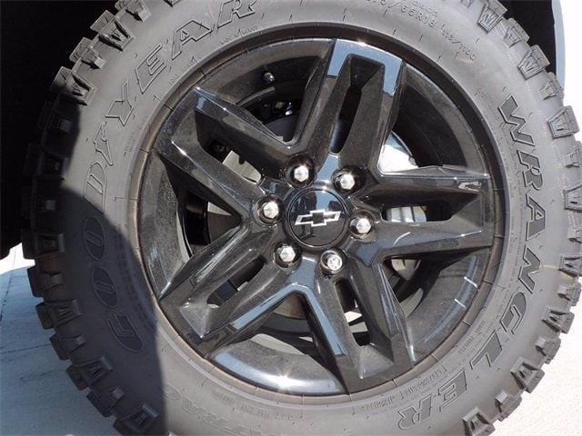 2021 Chevrolet Silverado 1500 Crew Cab 4x4, Pickup #MG366564 - photo 3