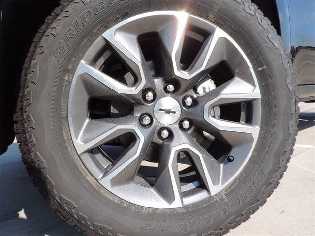 2021 Chevrolet Silverado 1500 Crew Cab 4x4, Pickup #MG368817 - photo 3
