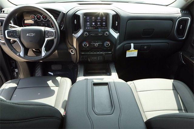 2021 Chevrolet Silverado 1500 Crew Cab 4x4, Pickup #MG391545 - photo 9