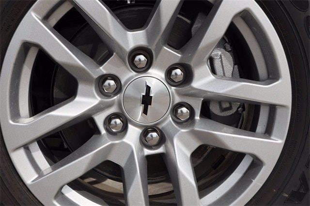 2021 Chevrolet Silverado 1500 Crew Cab 4x4, Pickup #MG410556 - photo 3