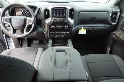 2021 Chevrolet Silverado 1500 Crew Cab 4x4, Pickup #MG414727 - photo 9