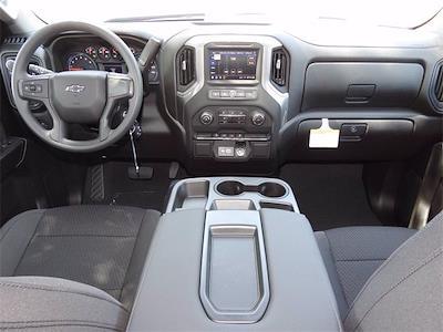 2021 Chevrolet Silverado 1500 Crew Cab 4x4, Pickup #MZ302835 - photo 12