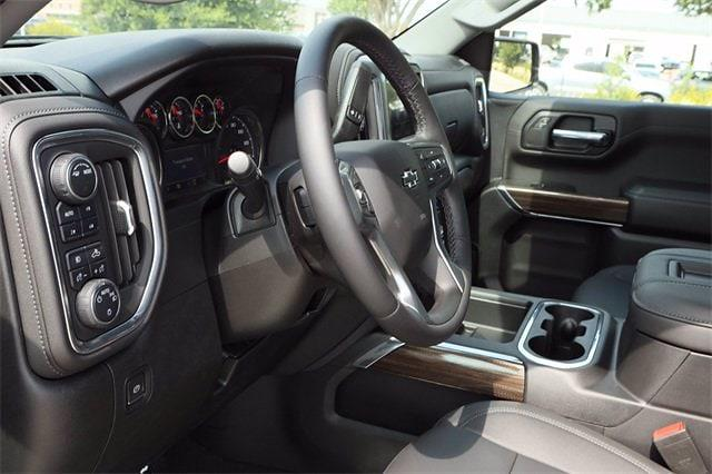 2021 Chevrolet Silverado 1500 Crew Cab 4x4, Pickup #MZ368863 - photo 8