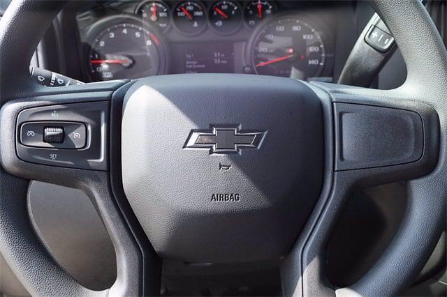 2021 Chevrolet Silverado 1500 Crew Cab 4x4, Pickup #MZ388819 - photo 11