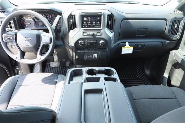2021 Chevrolet Silverado 1500 Crew Cab 4x4, Pickup #MZ388819 - photo 9