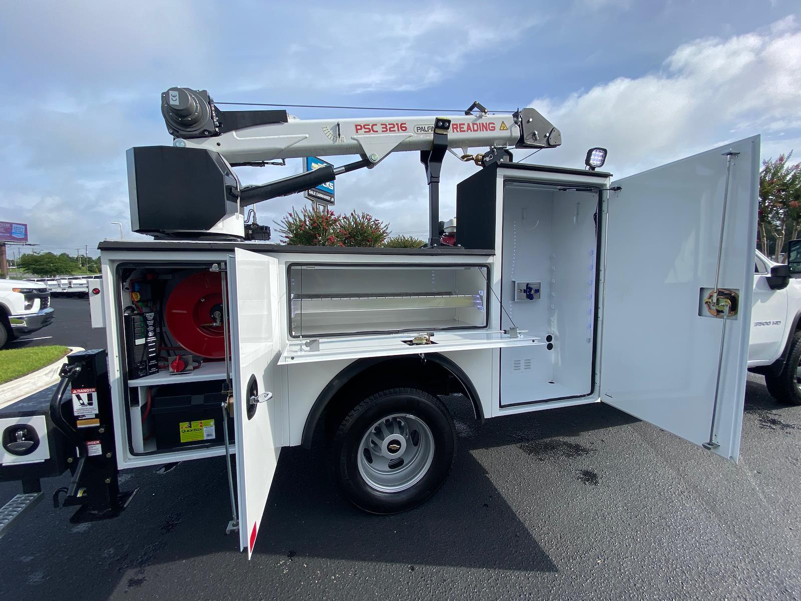 2021 Chevrolet Silverado 3500 Crew Cab AWD, Crane Body Mechanics Truck #CM47741 - photo 9
