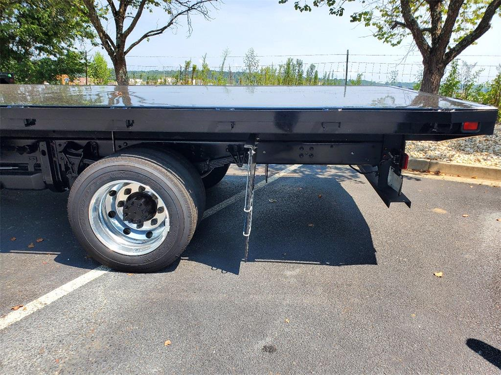 2020 Silverado 5500 Regular Cab DRW 4x2,  Knapheide Platform Body #T201033 - photo 13