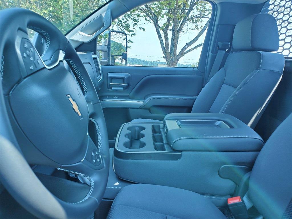 2020 Silverado 5500 Regular Cab DRW 4x2,  Knapheide Platform Body #T201033 - photo 18