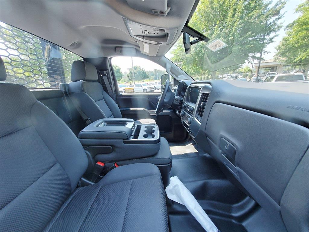 2020 Silverado 5500 Regular Cab DRW 4x2,  Knapheide Platform Body #T201033 - photo 3