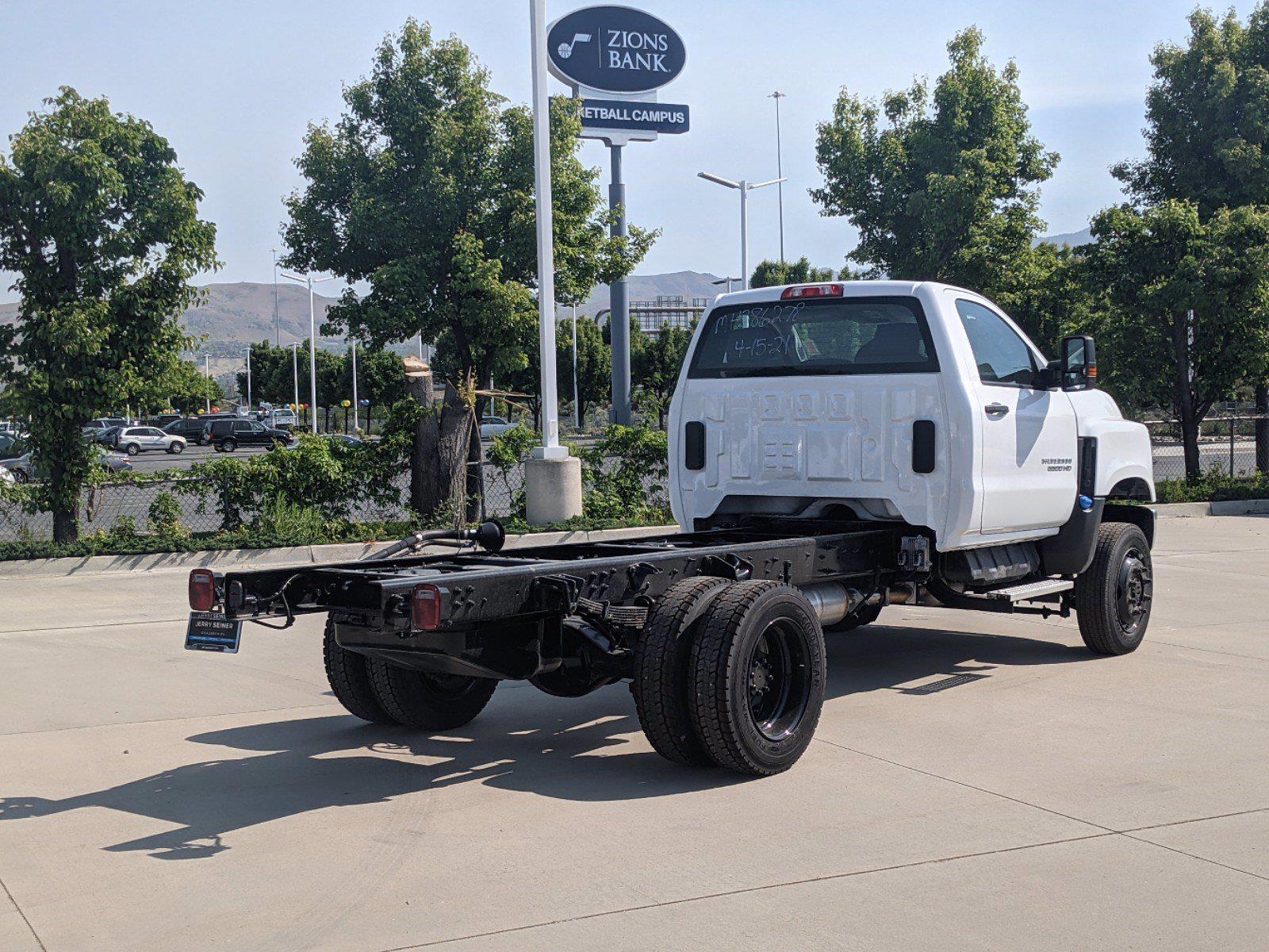 2021 Chevrolet Silverado 5500 DRW 4x4, Cab Chassis #CM21052 - photo 1