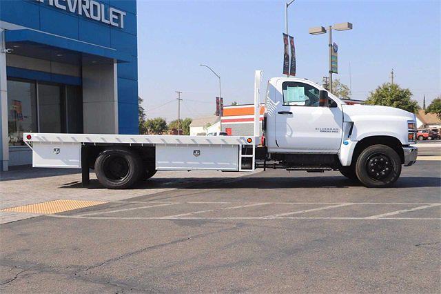 2021 Silverado 5500 Regular Cab DRW 4x2,  Scelzi Platform Body #21T806 - photo 5