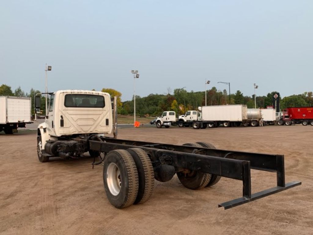 2009 International DuraStar 4400 4x2, Cab Chassis #CONS-CONF - photo 1