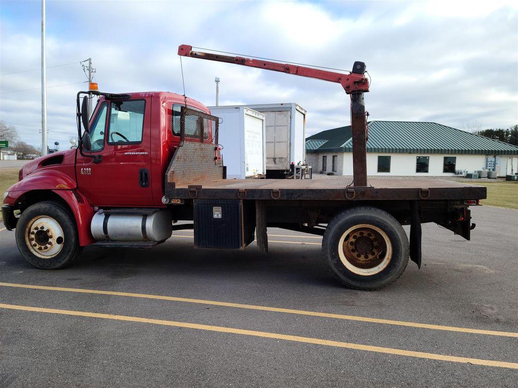 2005 International Truck 4x2, Platform Body #CONS-ROB - photo 1