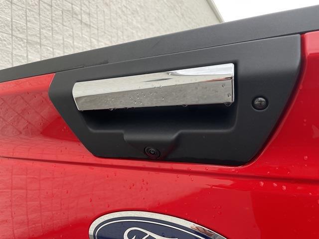 2020 Ford F-150 SuperCrew Cab 4x4, Pickup #P2691 - photo 17