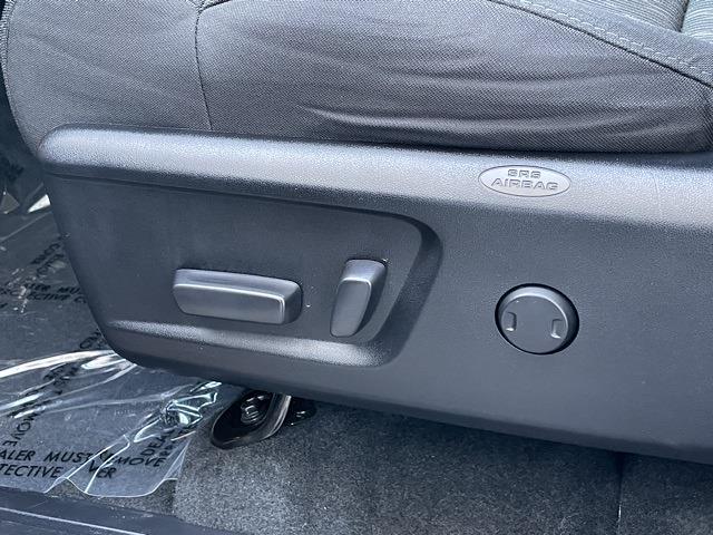 2020 Toyota Tundra Crew Cab 4x4, Pickup #P2730 - photo 32