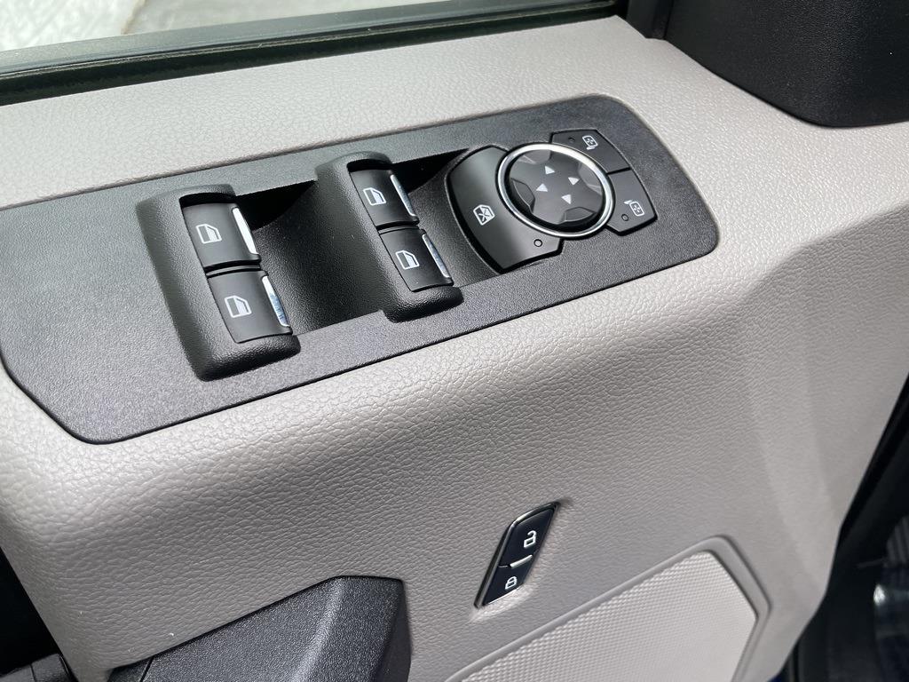 2017 Ford F-150 SuperCrew Cab 4x4, Pickup #P2750 - photo 25